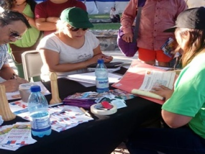 Gran interés por vacunación y test rápido de VIH en stand de salud de Municipio,  SSVQ y Seremi de Salud en el contexto del Festival del Huaso de Olmué.